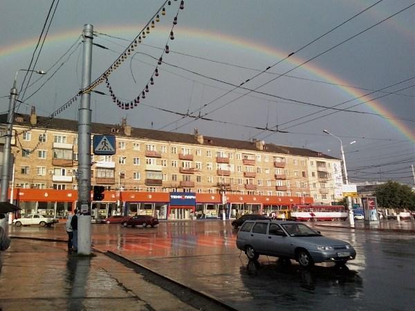 Район Советский, перекрёсток Красноармейского проспекта и улицы Советская. Живу здесь с рождения, поэтому и люблю.