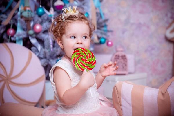 нет,нет, конфетка не большая, в самый раз!