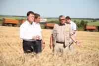 Владимир Груздев принял участие в уборочной кампании, Фото: 6