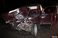 Под Тулой столкнулись грузовой Mercedes и «семерка», Фото: 2