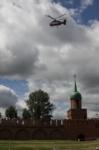 В кремле приземлился вертолет, который установит шпиль колокольни, Фото: 2