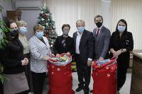 Депутаты Тульской облдумы подарили пациентам областной детской больницы новогодние подарки, Фото: 15