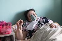 В положении на животе пациенты проводят до 16 часов в сутки. Тяжело, зато помогает выздороветь., Фото: 4