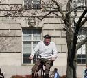 Может и не совсем самокат, но назиать это велосипедом - язык не поворачивается. ;-)