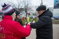 Пролетарский глава Сергей Шестаков поднял тулячкам настроение, Фото: 27