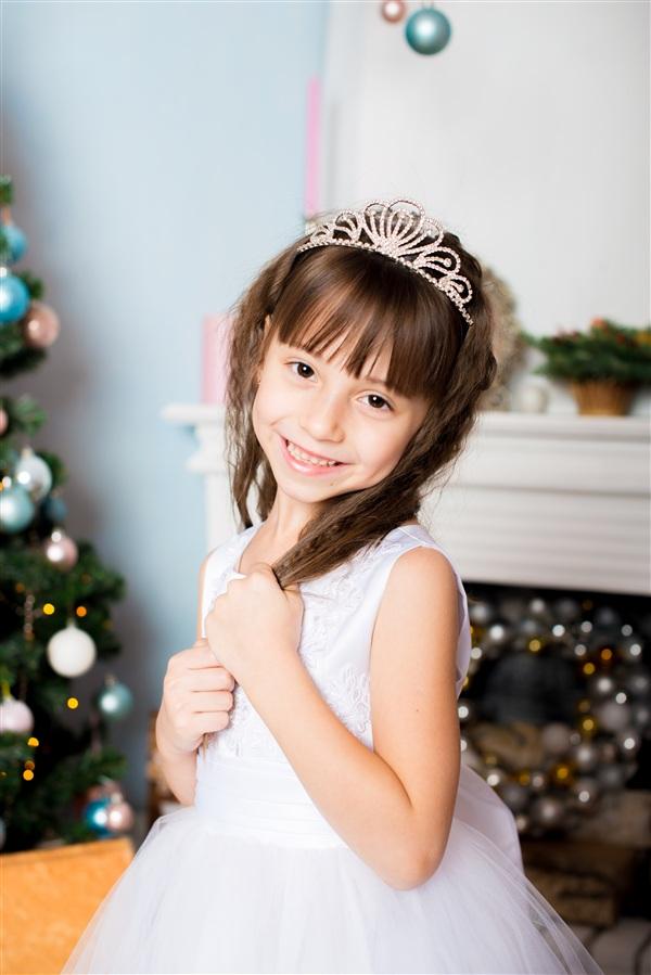 Татьяна Герасимова, 5 лет. Любит танцы, рисование и фигурное катание.