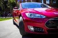 Владелец первого электромобиля Tesla рассказал, почему теперь не хочет ездить на других машинах, Фото: 37