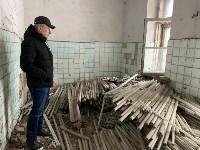 В бывшем здании Узловской обувной фабрики обнаружен склад ртутных ламп, Фото: 1