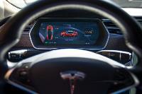 Владелец первого электромобиля Tesla рассказал, почему теперь не хочет ездить на других машинах, Фото: 12