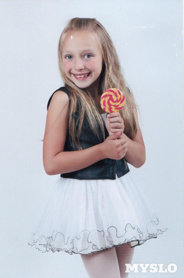 Черных Аксенья, 7 лет. Занимается танцами, театральным искусством, квиллингом