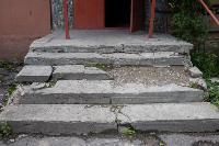 Туляки жалуются на разрушенные ступеньки возле подъезда, Фото: 14