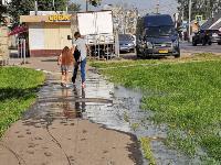 В Пролетарском районе Тулы затопило улицы и дворы: вода хлещет из колодцев, Фото: 18