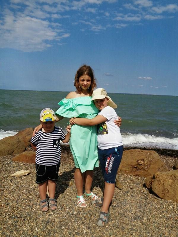 Мы Любим Море и Друг Друга ))