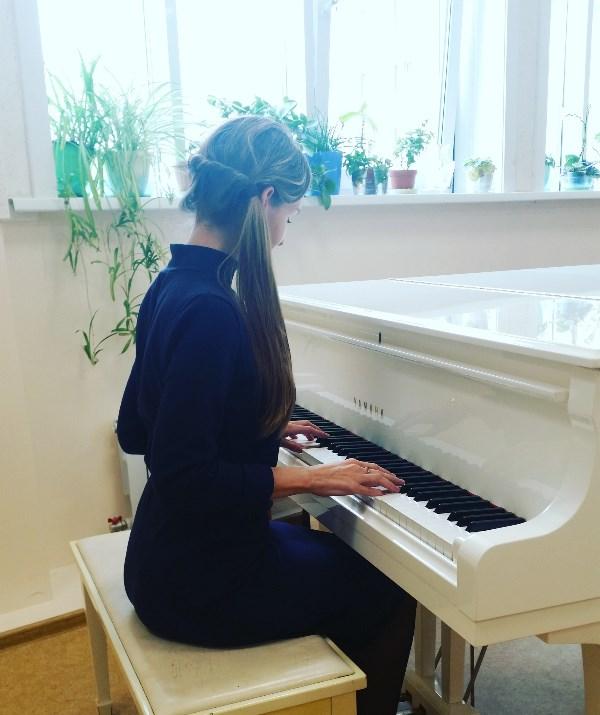 Белый рояль