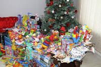 Депутаты Тульской облдумы подарили пациентам областной детской больницы новогодние подарки, Фото: 1