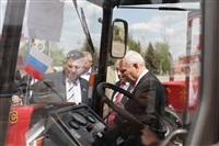 Торжественная передача коммунальной техники в подарок жителям Керчи, Фото: 2