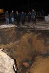 Глубина провала на Одоевском шоссе в Туле - примерно 3 метра, Фото: 4