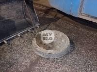 В Туле у трамвая отвалилось колесо и в него врезалась легковушка, Фото: 1