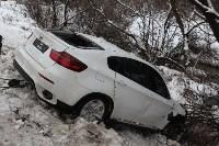 В Туле опрокинувшийся в кювет BMW вытаскивали три джипа, Фото: 16