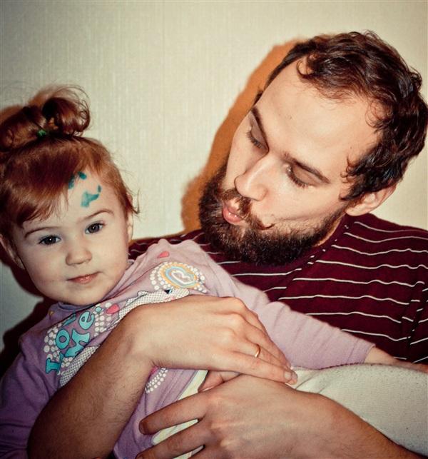 Дочь, я, усы и борода!