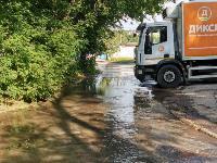 В Пролетарском районе Тулы затопило улицы и дворы: вода хлещет из колодцев, Фото: 11
