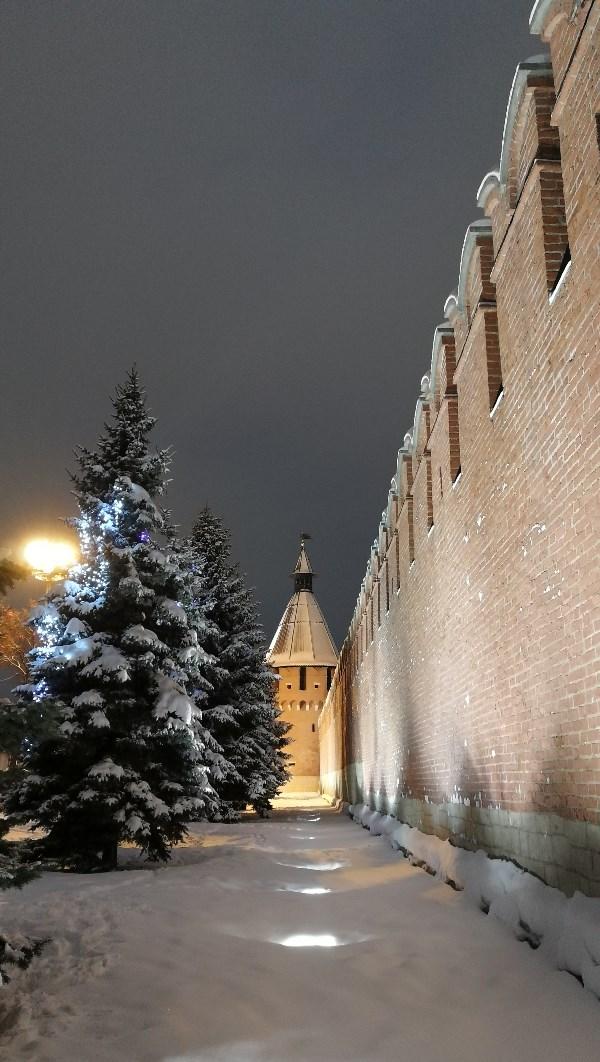 Зима у стен Кремля...