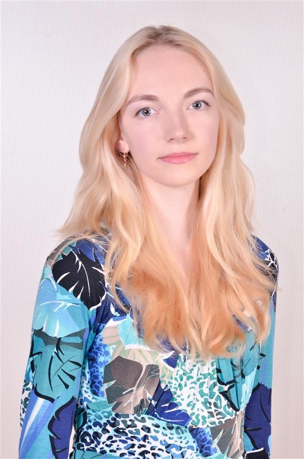 Инесса Грачева, 21 год. ТулГУ, программист. Инесса выбрала для себя очень серьезную профессию, но в душе она очень творческий человек. окончила музыкальную школу по классу фортепиано и скрипки, занималась бальными танцами.