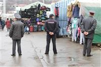В ходе зачистки на Центральном рынке Тулы задержаны 350 человек, Фото: 6