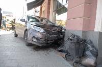 """""""Киа"""" врезался в здание ТЦ в центре Тулы, Фото: 4"""