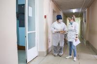 В Киреевске поликлинике помогают волонтеры, Фото: 13