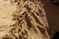 Провал дороги в Мясново: трубу заменили, котлован засыпают песком