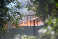 На стройке на улице Фрунзе сгорели вагончики рабочих., Фото: 9