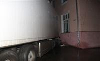 В Криволучье фура сбила пешехода, врезалась в легковушку и протаранила дом, Фото: 9