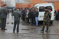 В ходе зачистки на Центральном рынке Тулы задержаны 350 человек, Фото: 30