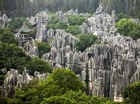 Зубчатые карстовые столбы в китайском Куньмине. Gonzales Photo, Carsten Fjellerad/Corbis, Фото: 15