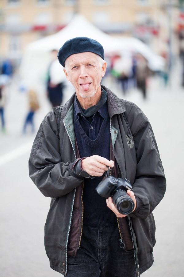 Как Эйнштейн завещал :)  Игорь Щербаков – фотограф с многолетним стажем, участник и лауреат выставок в Туле и области, участник выставки «Best of Russia». Принимал участие в проекте «Год России во Франции», выставлялся в музее Помпиду и в Нанте, в Варшаве, Хельсинки, Лиссабоне.