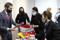 Депутаты Тульской облдумы подарили пациентам областной детской больницы новогодние подарки, Фото: 12