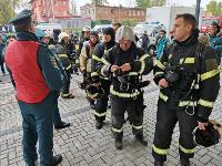 Тульские пожарные провели соревнования по бегу на 22-этаж, Фото: 38