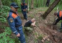 В лесу под Тулой поисковики нашли тайник с гранатами, Фото: 34