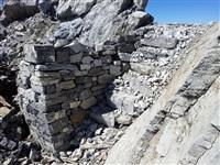 Вход в жилой блиндаж на выс. 3250 м., Фото: 69