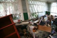 В Барсуках фура влетела в огород и сломала дерево, Фото: 7