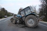 На въезде в Тулу трактор протаранил внедорожник, Фото: 4