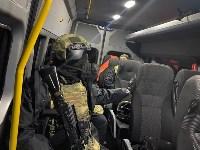 Сотрудники Росгвардии задержали открывшего стрельбу мужчину, Фото: 2