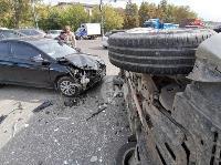 В Туле на ул. Оборонной Renault Logan после ДТП опрокинулся набок, Фото: 10