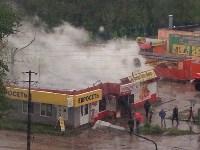 В Ясногорске сгорел продуктовый магазин. 16 мая 2015, Фото: 6