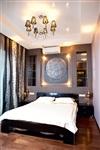 Барельеф над кроватью в спальне – ручная работа. Он,  кстати, окрашен флюоресцентными красками, так что луна светит по-настоящему, Фото: 2
