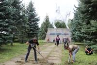 «Экопатруль» в Одоеве навел порядок у памятника конникам генерала Белова, Фото: 1