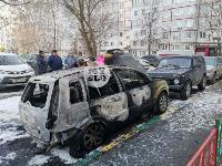 В Туле на улице Ф. Энгельса сгорел припаркованный Ford, Фото: 2