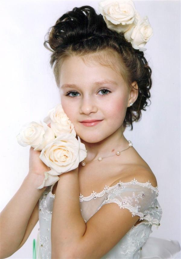 Елизавета Ярцева, 6 лет. Занимается танцами и в театральном кружке.