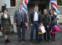 Вручение ключей от новых квартир переселенцев из аварийного жилья в Донском, Фото: 8